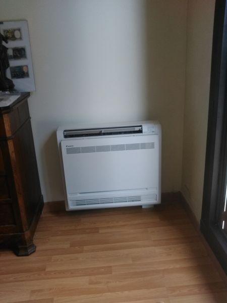 pompe a chaleur air air daikin bi splits type console 31. Black Bedroom Furniture Sets. Home Design Ideas